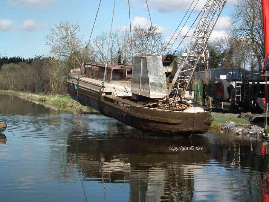"Heritage Boat 77M; copyright © Ken; click to ""IWAI Forum"""