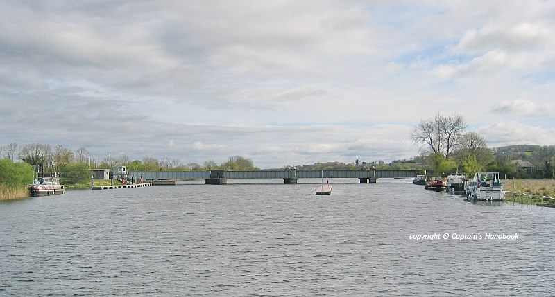 Portumna Bridge 2010; © Captain's Handbook