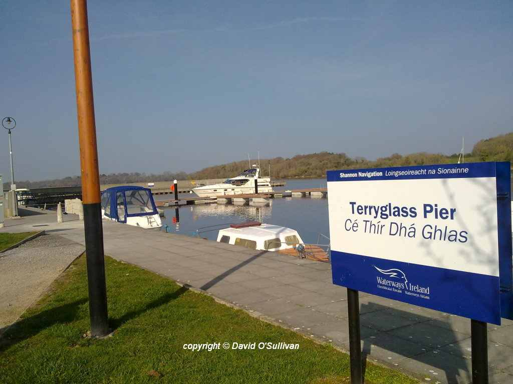 Terryglass Pier; © David O'Sullivan; click to Lough Derg Gortmore Point and Terryglass