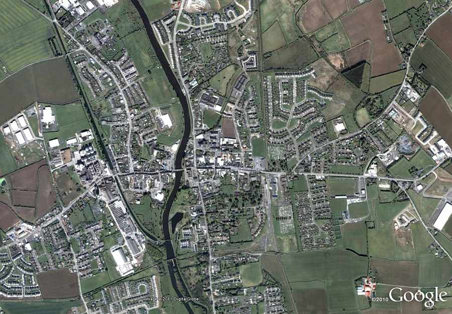"Athy River Barrow; © esri; click to Arcgis Map ""Athy River Barrow"""