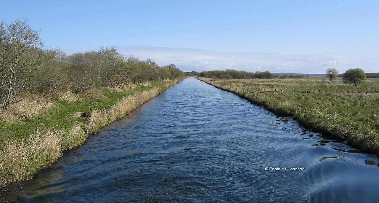 Lecarrow Canal;© Captain's Handbook
