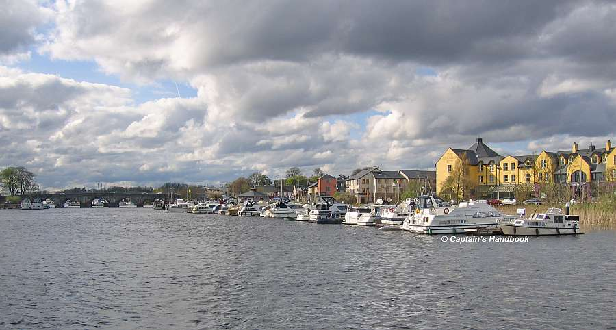 Carrick on Shannon; © Captain's Handbook