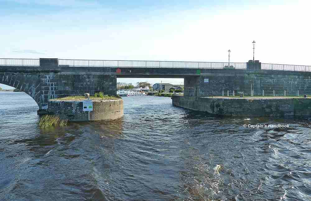 Banagher Bridge, Hintergrund Silverline Marina