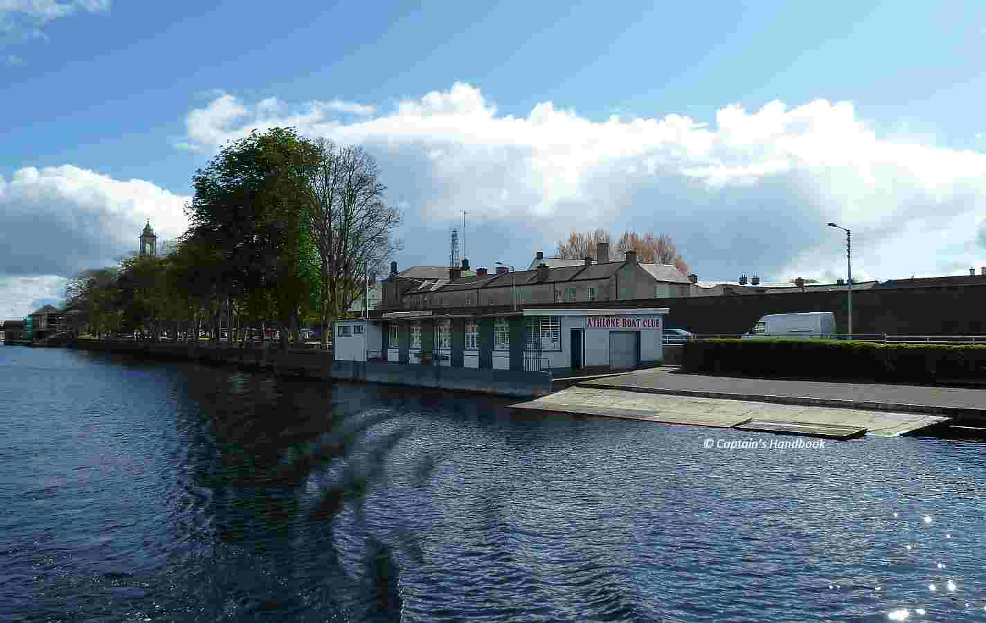 "Athlone Boat Club;  © wasserrausch; click picture to ""enlarge"""