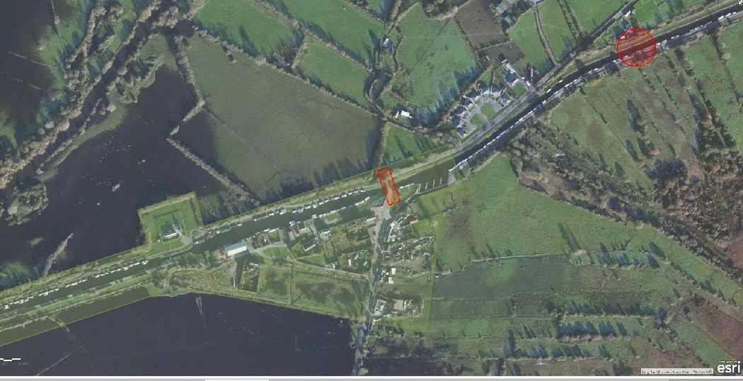 """Shannon Harbour Lock 35; © esri;  click picture to """"Arcgis Map Shannon Harbour Lock 35"""""""