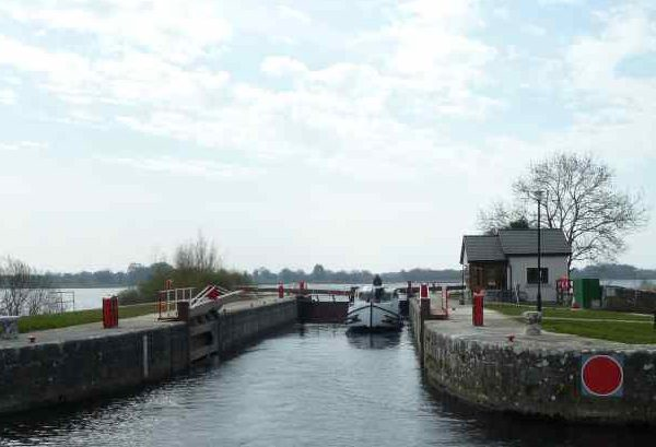 Tarmonbarry-Lock; © Captain's Handbook