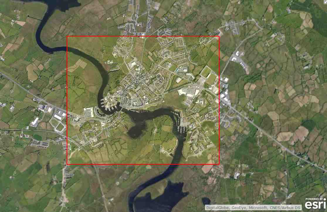 "Carrick on Shannon; © esri; click picture to ""esri Carrick on Shannon Overhead Powerline"""