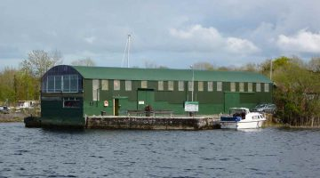 Green shed fishing club Kilgarvan; © chb; click to Green shed fishing club Kilgarvan