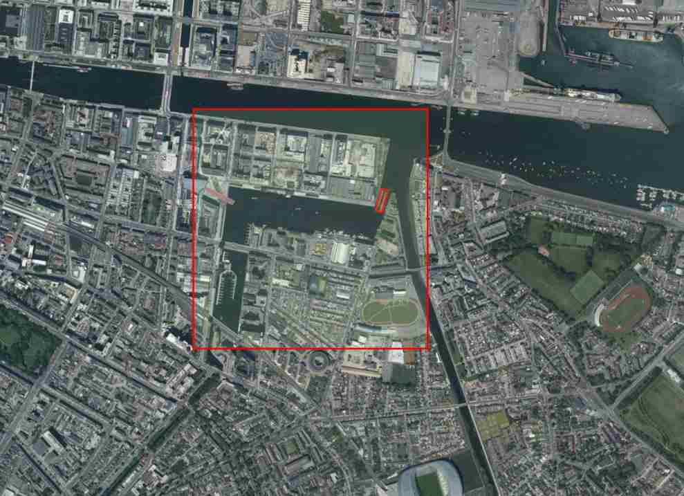 "Grand Canal Ringsend; © esri; click picture to ""esri-map"""