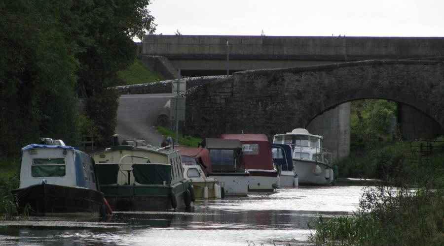 "Royal Canal Moyvalley Bridge; © AJ Vosse; click to ""click to Blog ""Ouch!! My back hurts!!"""