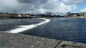 Athlone Weir and Lock; © Captain's Handbook