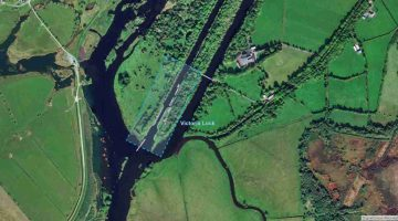 "Victoria Lock Meelick; © esri; click picture to ""Arcgis Map"""