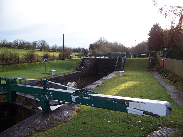 Locks gates at Portna © Copyright HENRY CLARK