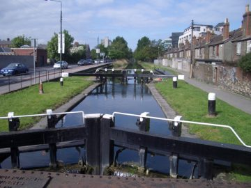 Grand Canal: the lock at Leeson Street Bridge; © Copyright Keith Salvesen and licensed for reuse under this Creative Commons Licence.