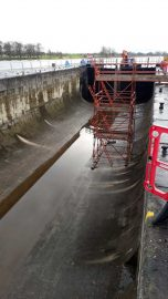 Athlone lock - Inside; © Waterwaysireland ;click to enlarge