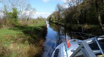 Lough Allen Canal © chb click picture to enlarge