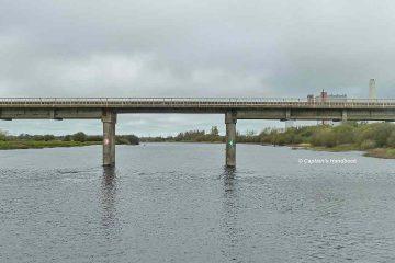Bord na Mona Bridge near Shannonbridge am Torfkraftwerk; Klick Foto an zum vergrößern