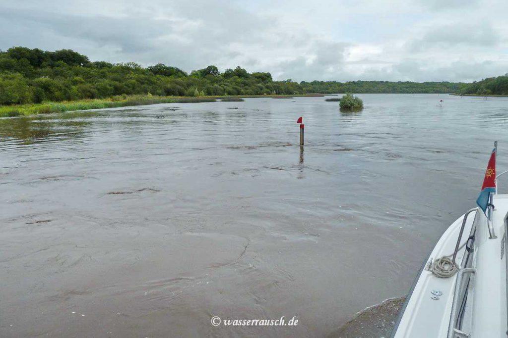 Marker on Lough Erne; © wasserrausch; klick to Lough Erne Map