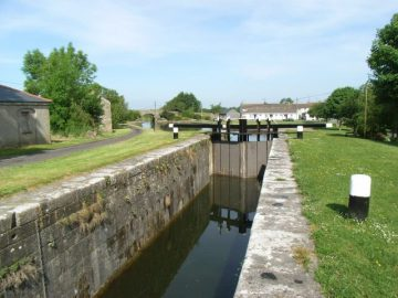 Royal Canal 35th Lock at Ballynacarrigy; © Copyright JP CCL