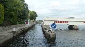Portora Lock with Power-Line; © chb