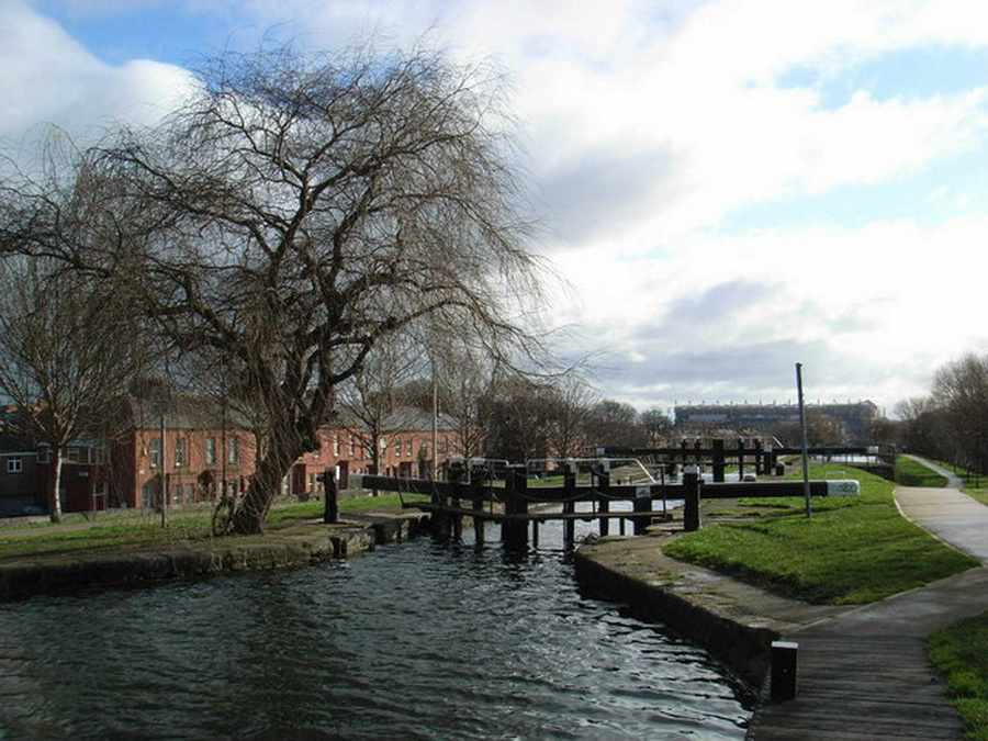 Royal Canal 4th Lock; © Copyright JP CCL