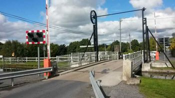 Grand Canal Barrow-Line Monasterevin Lifting Bridge: © James Emmans CCL