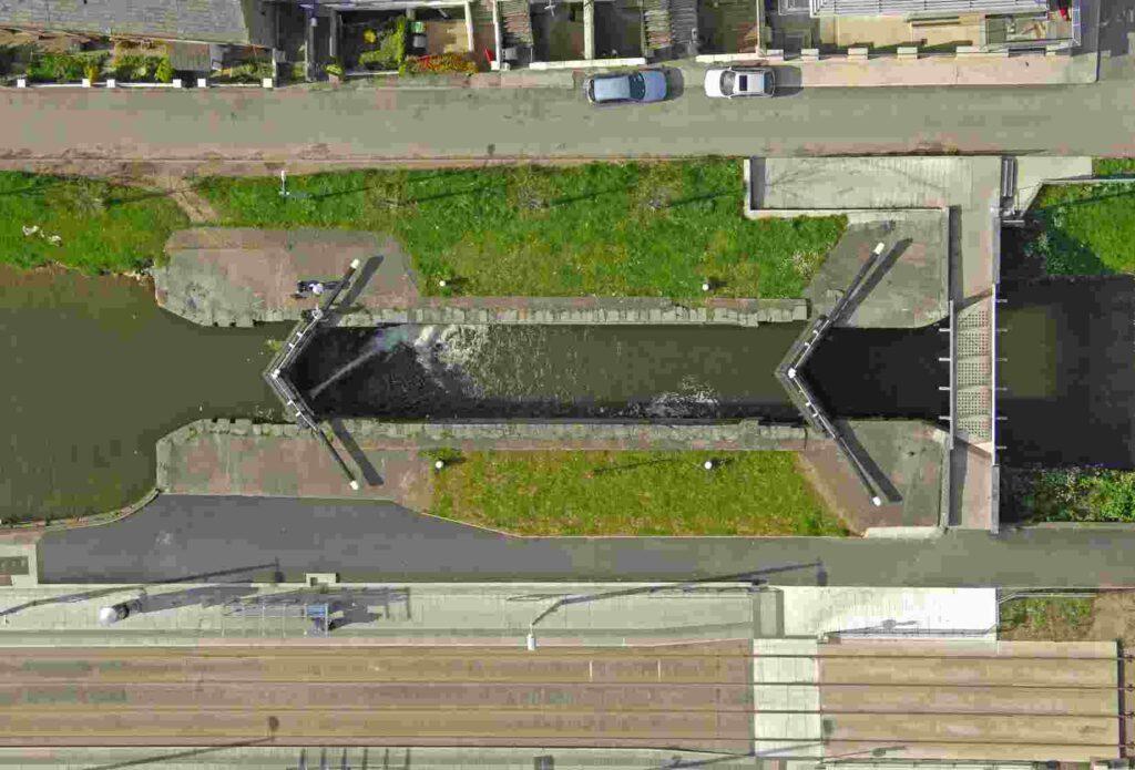 Grand-Canal-Lock-2_ © marinas.com